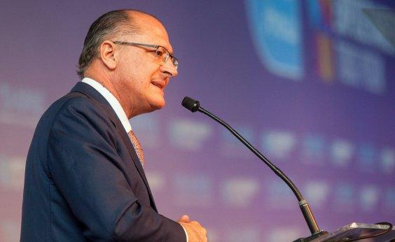 [Alckmin cogitou desistir de candidatura a presidente, diz coluna]