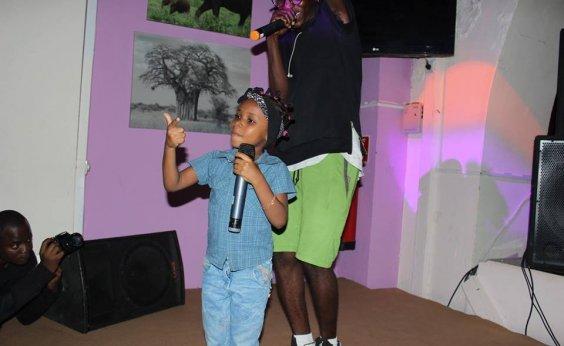 [Bia Canda MC: menina de 5 anos faz sucesso cantando rap como gente grande; Veja!]
