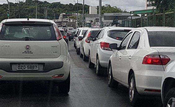 [Porta-voz da PM pede compreensão da população para abastecimento de viaturas]
