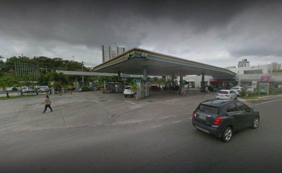 [R$ 4,98, o litro: posto na Pituba recebe gasolina e enorme fila se forma]