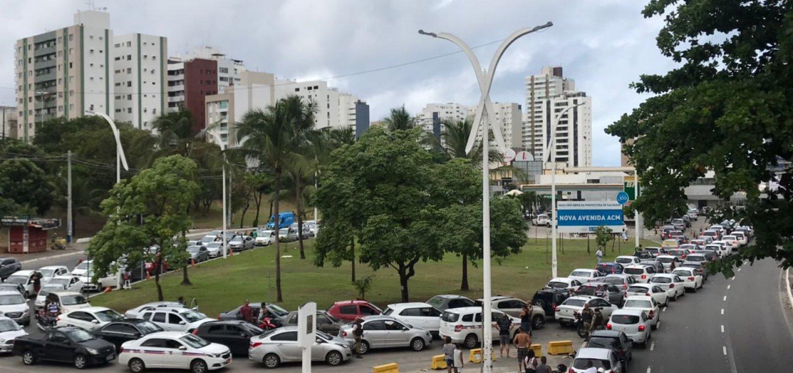 [Chegada de combustíveis lota postos em Salvador e Região Metropolitana]