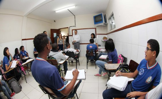 [Aulas na rede estadual de ensino estão mantidas esta semana, diz Rui Costa]