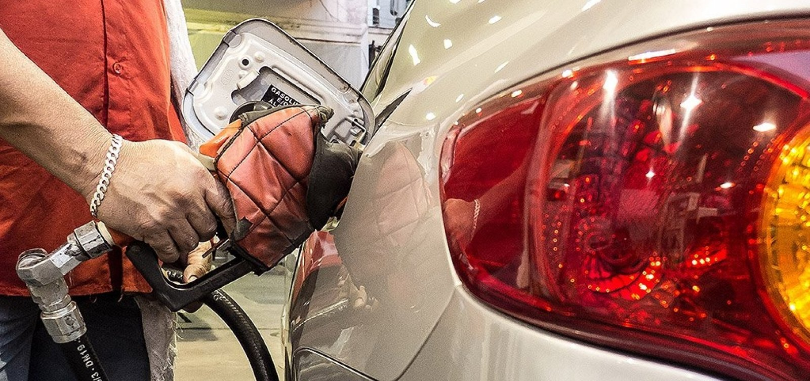 [Redução de 2,8% no preço da gasolina pode não chegar ao consumidor: 'Preço é livre']