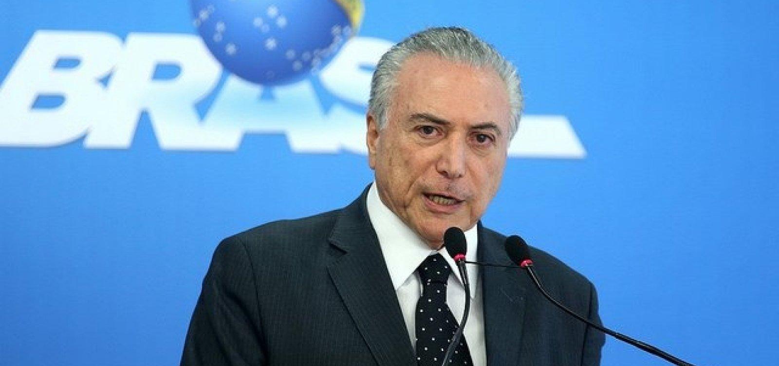[Com decisão judicial, Temer retira benefícios de Lula]