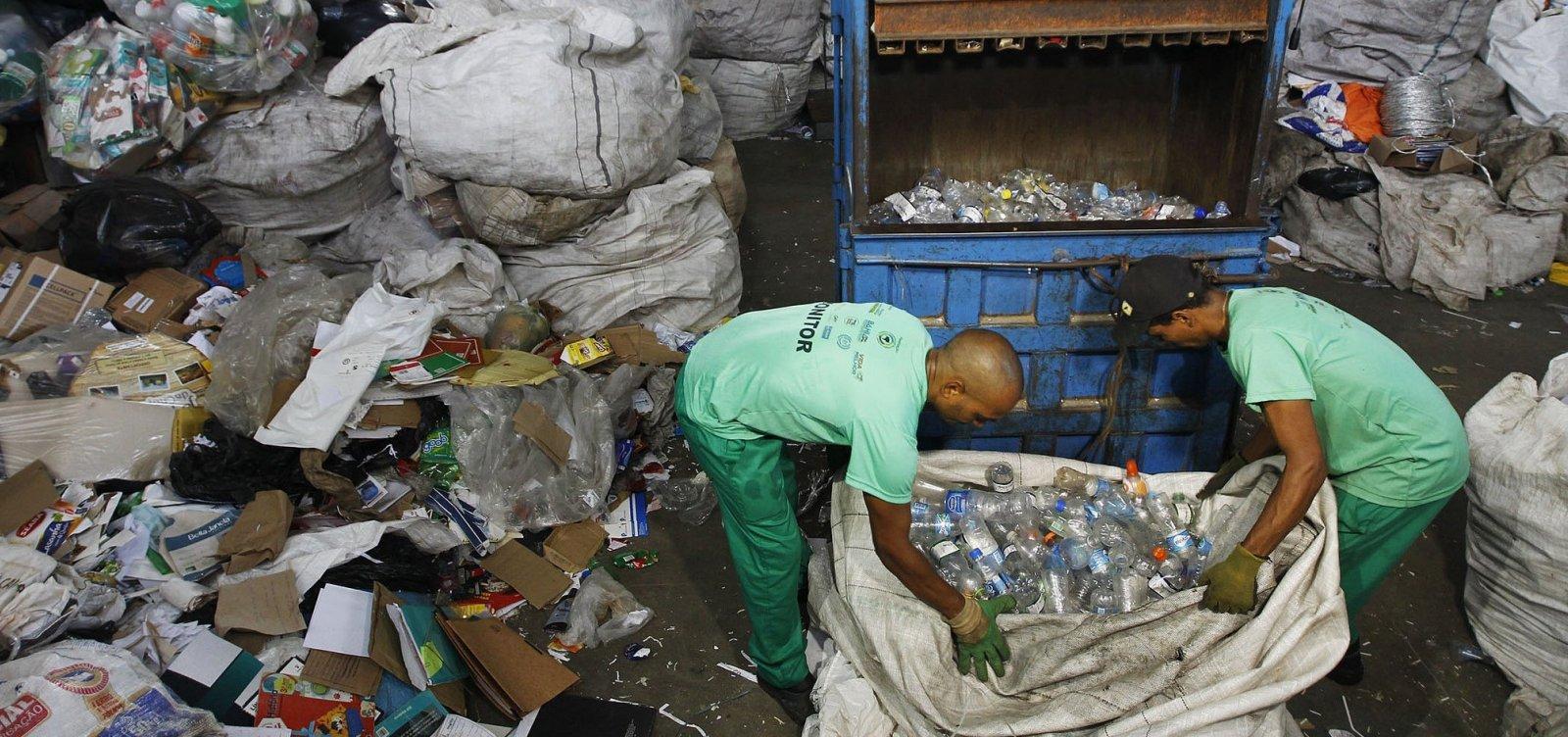 [Quatro em cada 10 brasileiros não separam o lixo, aponta pesquisa Ibope]
