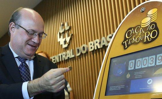 [Presidente do BC rejeita usar taxa de juros para conter alta do dólar]