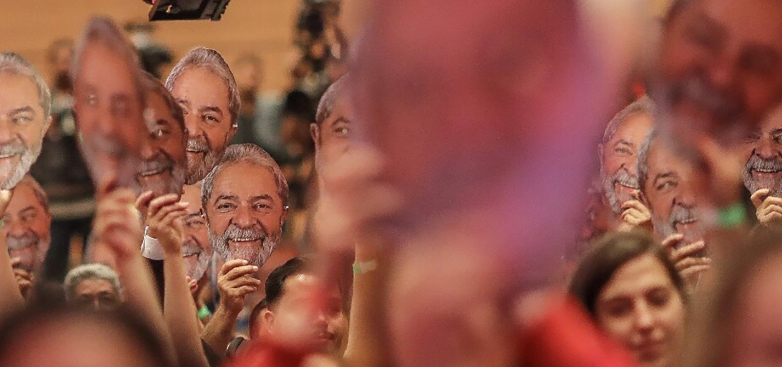 [Lula rejeitou acordo para desistir de candidatura e ser solto, diz Haddad ]