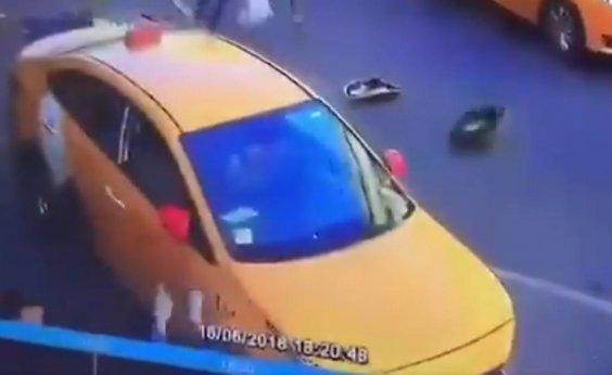 [Taxista atropela grupo na Rússia e alega que perdeu controle; veja vídeo]