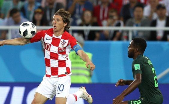 [Croácia vence a Nigéria por 2 a 0 com gol contra]
