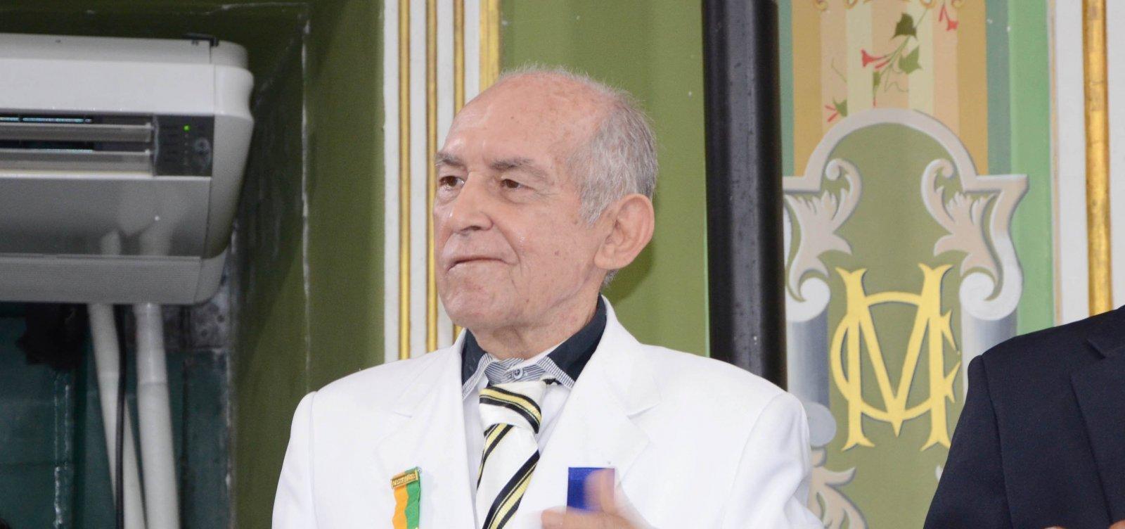 [Orlando Tapajós morre aos 85 anos]