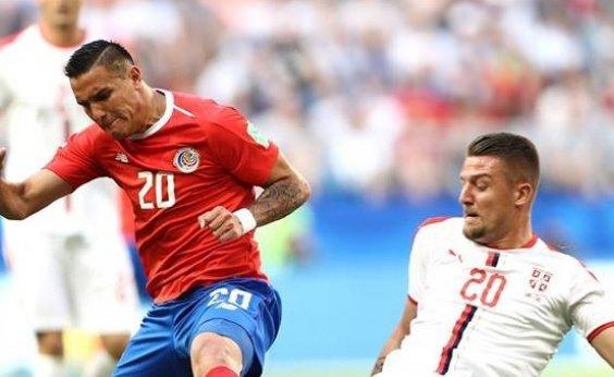 [Kolarov garante vitória da Sérvia sobre Costa Rica em cobrança de falta]