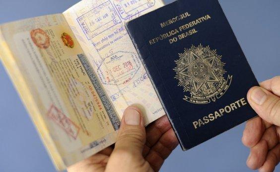 [62% dos jovens brasileiros iriam embora do país se pudessem, diz pesquisa]