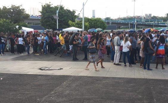 [Servidores municipais realizam protesto na região do Iguatemi]