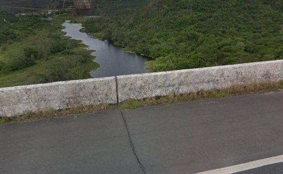 [Rachadura em rodovia de Cachoeira preocupa motoristas, mas DNIT nega risco]