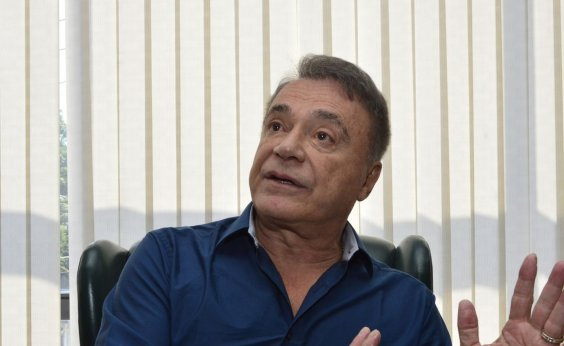 [Álvaro Dias evita falar sobre Bolsonaro: 'Zero de palavra']