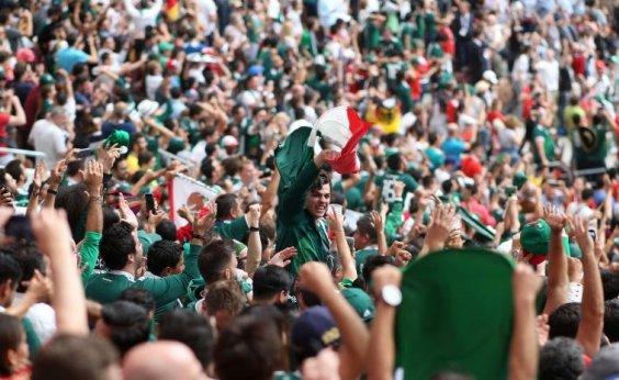 [Federação Mexicana pede para torcedores pararem com gritos homofóbicos]