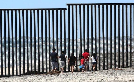 [Diplomata diz que oito crianças brasileiras foram separadas dos pais ao entrar nos EUA]