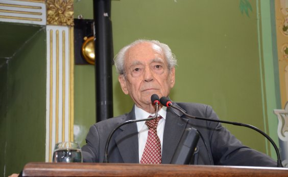 [Ex-governador Waldir Pires morre aos 91 anos ]