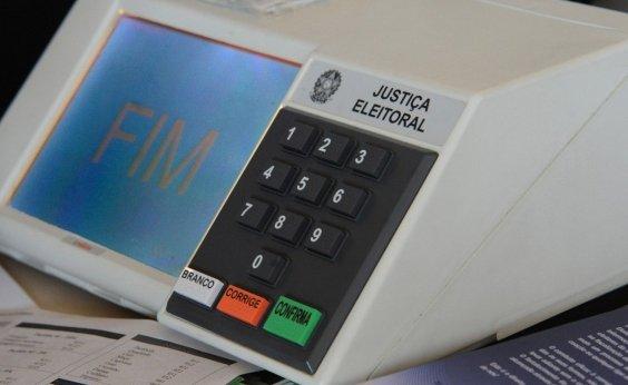 [Oito em cada 10 brasileiros não confiam nos partidos, aponta pesquisa]