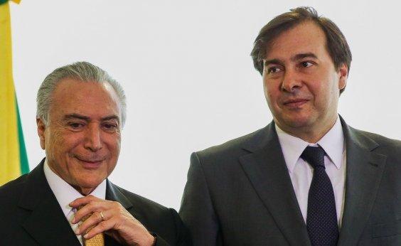 [Em jantar, Maia, Temer e Aécio discutem candidatura do PSDB]
