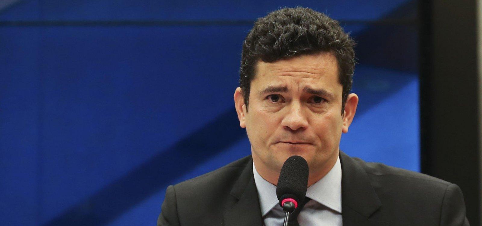 [Moro diz que desembargador é 'incompetente' e não cumprirá ordem de soltar Lula]
