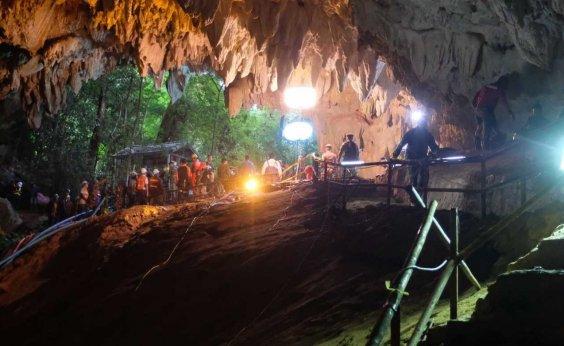 [Mergulhadores da Tailândia tiveram que deixar caverna às pressas após falha em bombas de água]