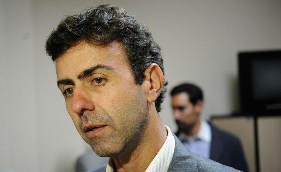 [Freixo pede R$ 100 mil de indenização por Gentili chamá-lo de 'farsa' e 'merda']