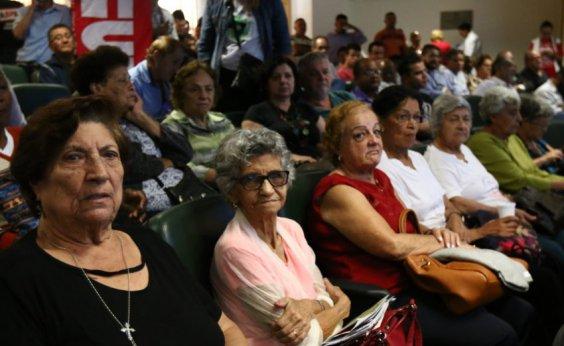 [Número de lares que dependem da renda de aposentados cresce 12% em um ano]