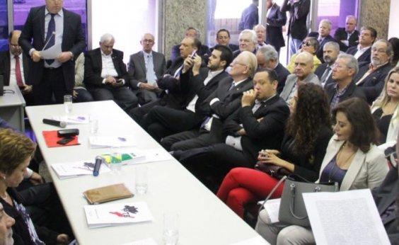[Executiva do PTB aprova coligação com PSDB e apoio a Alckmin na eleição presidencial]