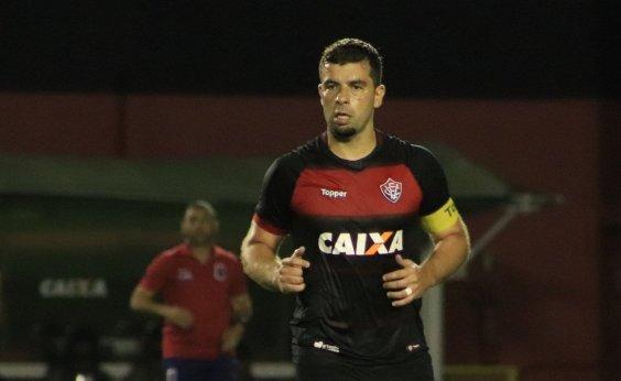[André Lima comemora retorno do Vitória com três pontos após a Copa do Mundo]