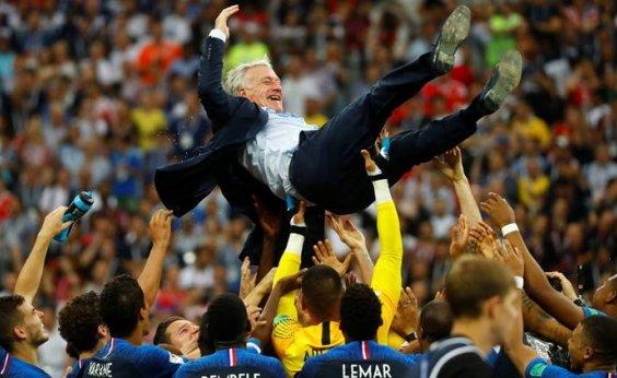 [Após título, Deschamps será técnico da seleção francesa até 2020]