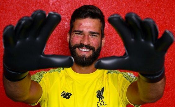 [Alisson se torna goleiro mais caro do mundo após assinar com Liverpool por R$ 323 milhões]