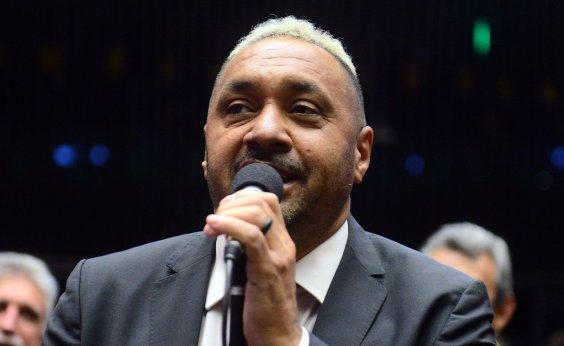 [Tiririca decide disputar reeleição após ser convencido pelo PR]