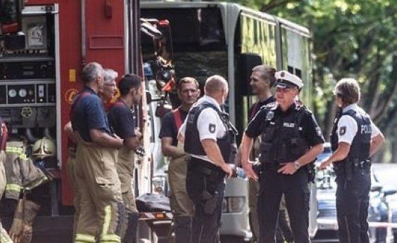 [Ataque com faca em ônibus deixa 14 feridos na Alemanha]