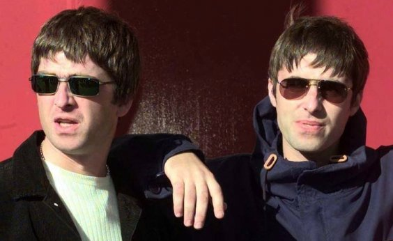 [Liam Gallagher pede pela volta do Oasis]