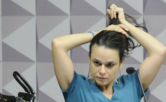 [Questões familiares podem impedir Janaína Paschoal de ser vice de Bolsonaro]