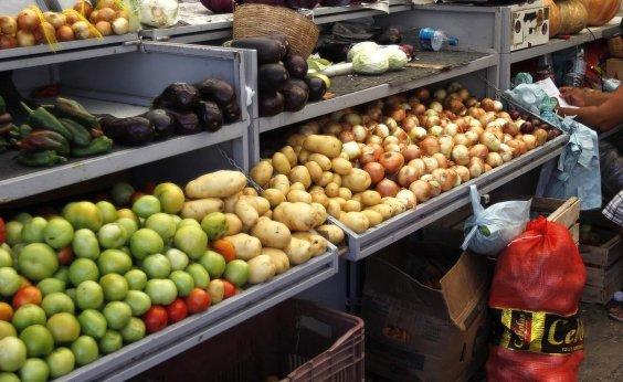 [Tomate, batata, banana e carne registram maiores quedas na cesta básica em julho]