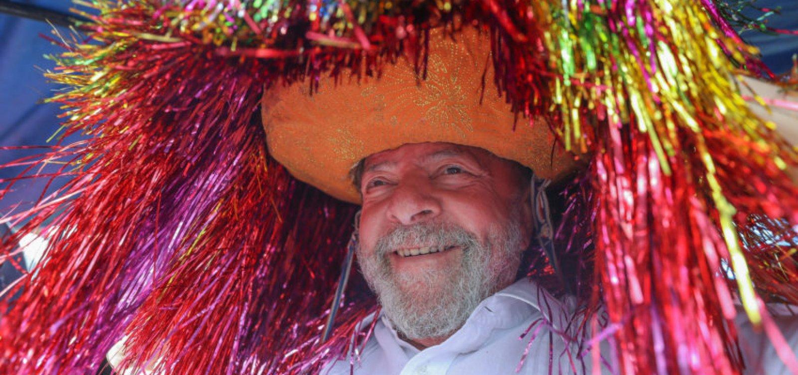 [Defesa de Lula desiste de recurso com o qual tentava suspender prisão ]