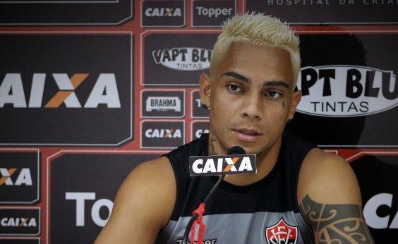 [Lateral do Vitória reclama de falhas individuais contra o Grêmio]