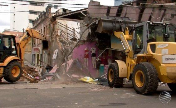 [Itabuna: prédio que abrigaria shopping é demolido]