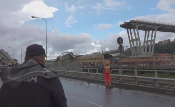 [Sobe para 37 o número de mortos no desabamento de ponte na Itália]