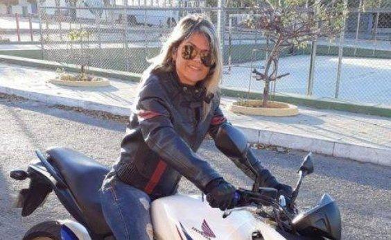 [Funcionária de centro universitário de Guanambi morre após moto colidir em carro]
