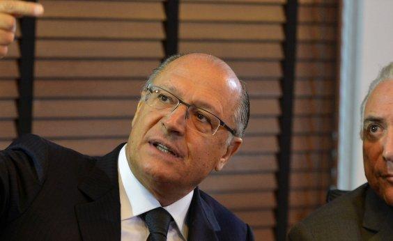 [Temer diz que Alckmin 'pode vir a ser' candidato do governo e cita Meirelles]