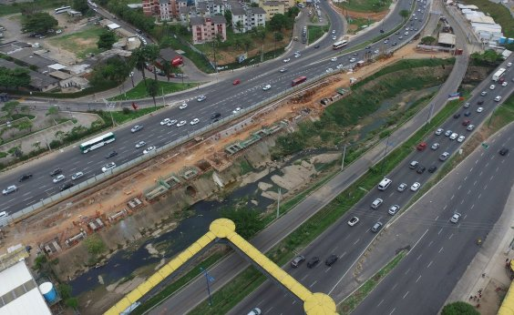 [Motorista é indenizado em mais de R$ 30 mil após acidente em estrutura do metrô na Paralela]