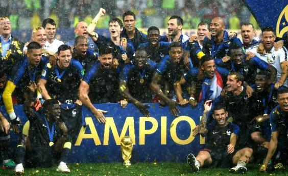 [França lidera novo ranking da Fifa após Copa do Mundo; Brasil cai para terceiro ]