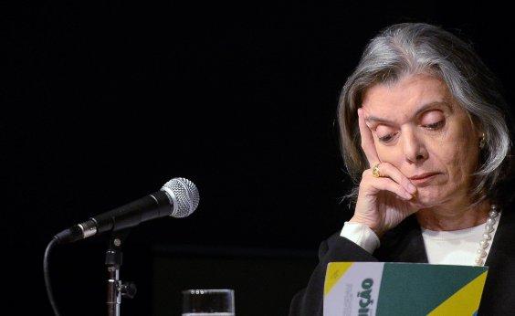 ['Com o que fazem, Brasil era para ter dado errado há muito tempo', ironiza Cármen Lúcia]