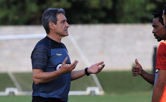 [Vitória faz treino fechado para pegar o Palmeiras pela Série A]