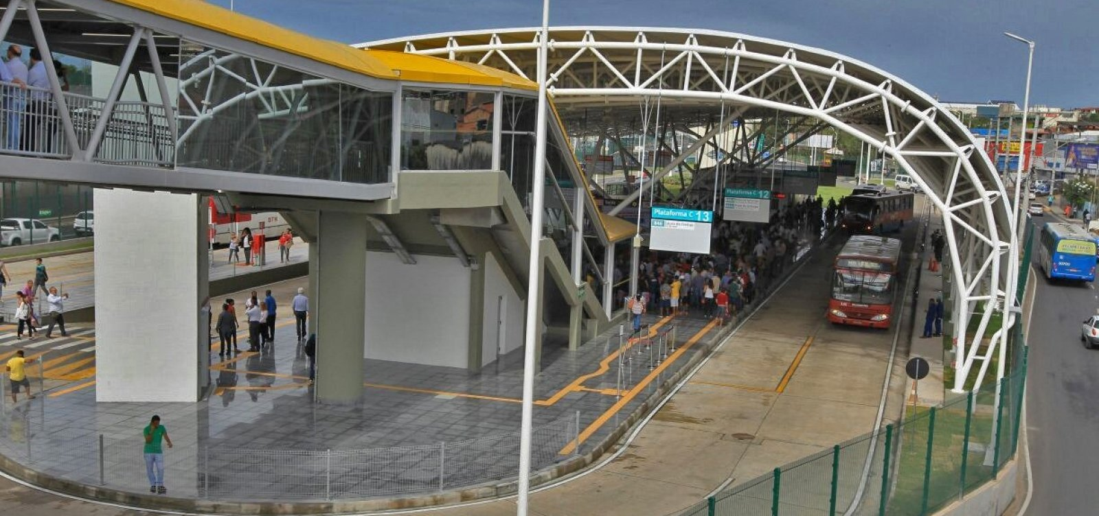 [ Ponto de ônibus é desativado em Salvador a partir de amanhã ]