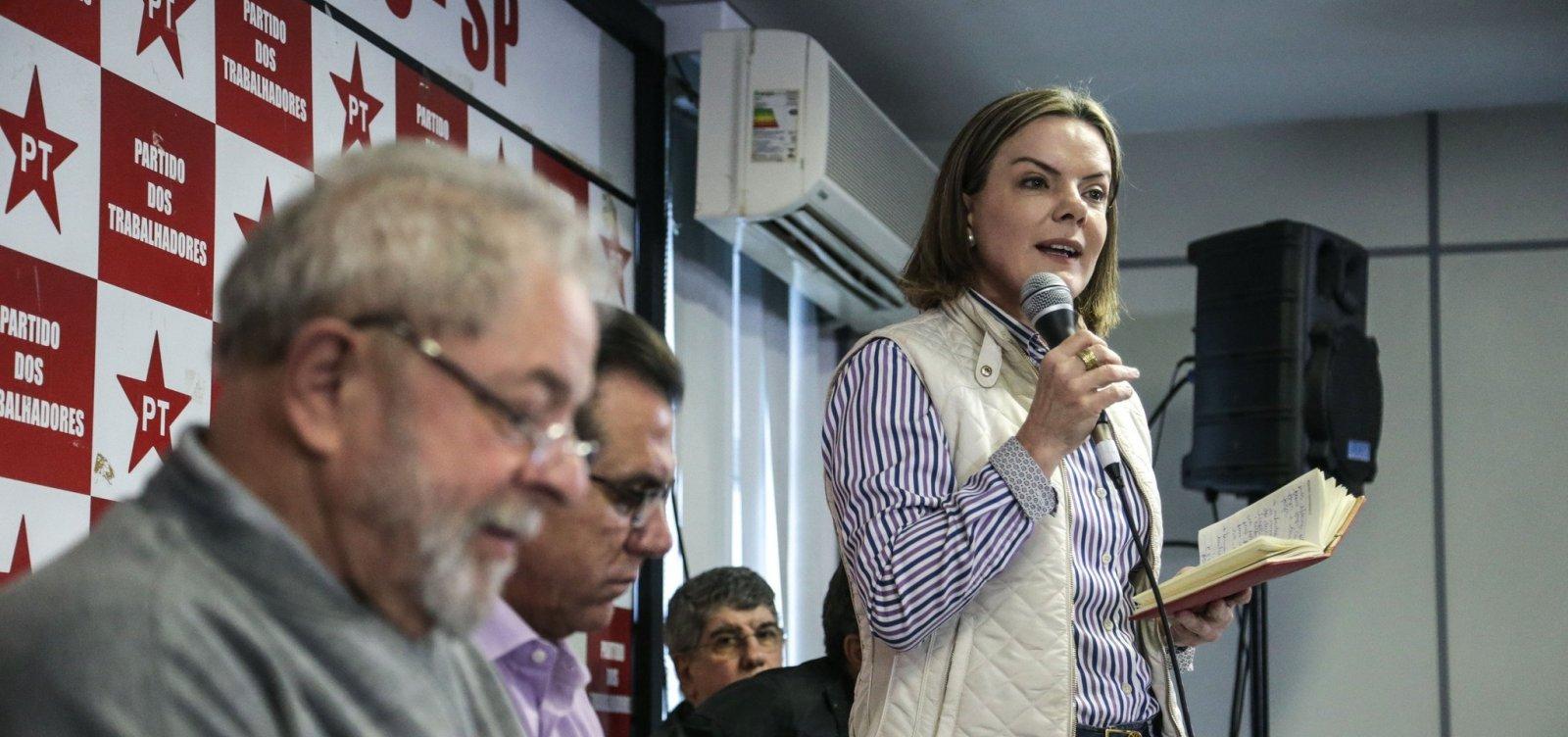 [PT ainda planeja indultar Lula caso vença eleições, diz colunista]