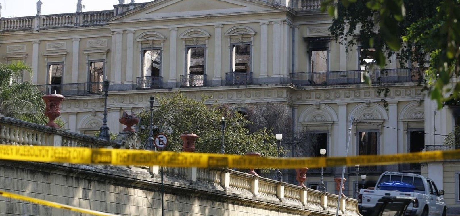[Governo da Espanha vai ajudar Brasil a recompor acervo do Museu Nacional]